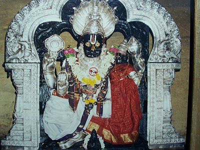Lord-Ahobila-Narasimha-Swamy-with-Goddess-Lakshmi.jpg