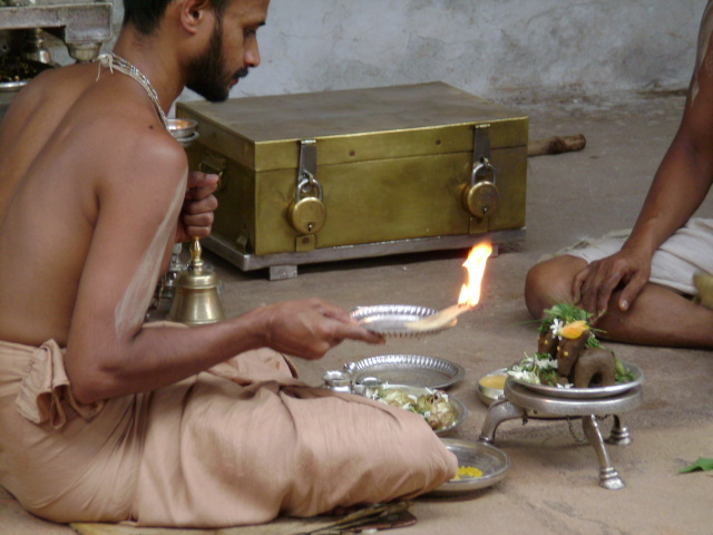 shri-satyatmateertha-swamiji-celebrated-mannettina-amavasya